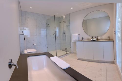 11.Bathroom 3
