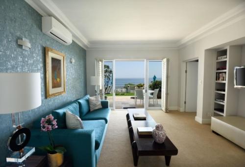 5.-Superior-suite-room-19-pool-level