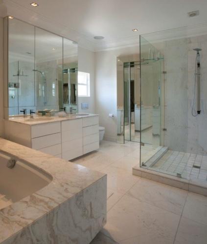 7.Bathroom 1