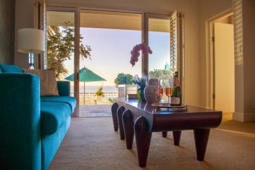 7.Superior-suite-room-19-Lounge-New