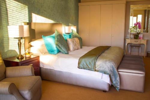 7.Superior-suite-room-19-New