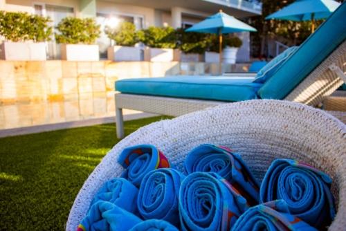 9.Pool-towels